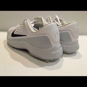 the best attitude 6dcea a9b80 ... Nike Shoes - Nike TW71 Tiger Woods Air Zoom Golf Shoes Wht Wide ...